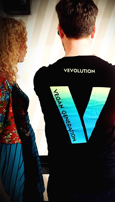 Vevolution Topics - Vevolution T-shirt