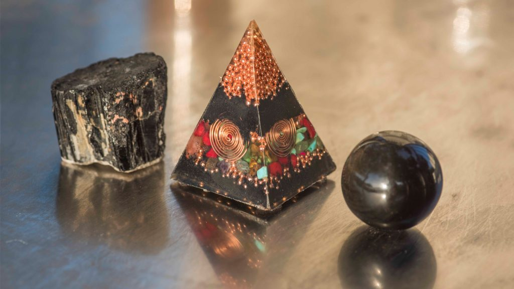 Protection techniques - black tourmaline, onganite and obsidian