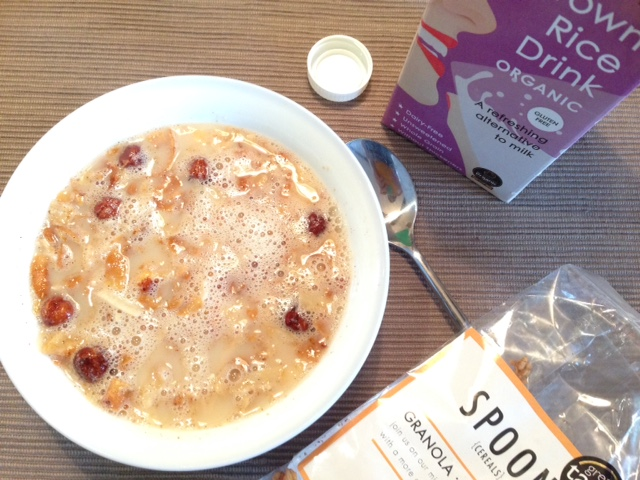 spoon cereals review - cinnamon granola